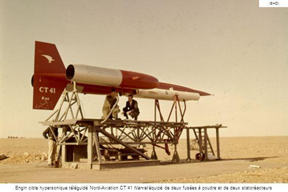 (SHD) Engin cible hypersonique téléguidé Nord-Aviation CT 41 Narval équipé de deux fusées à poudre et de deux statoréacteurs.