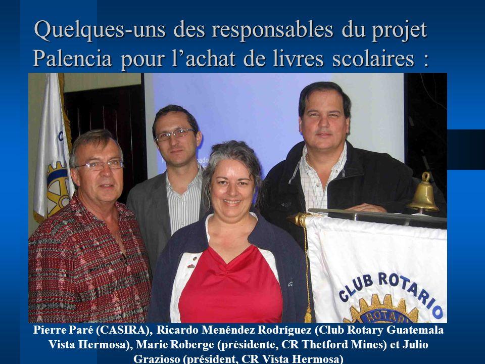 Quelques-uns des responsables du projet Palencia pour l'achat de livres scolaires :