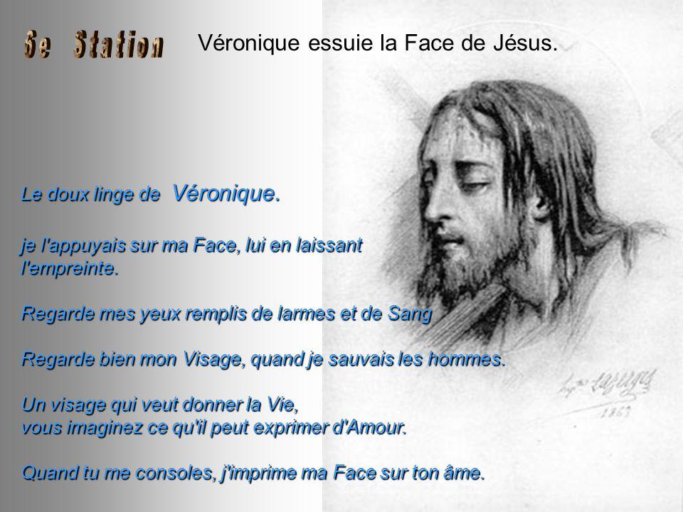Véronique essuie la Face de Jésus.