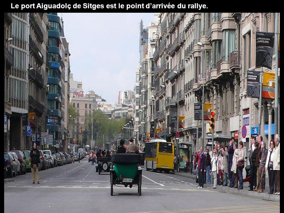 Le port Aiguadolç de Sitges est le point d'arrivée du rallye.