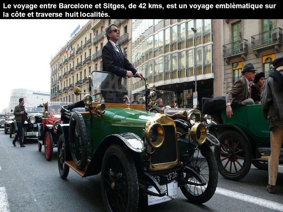 Le voyage entre Barcelone et Sitges, de 42 kms, est un voyage emblèmatique sur la côte et traverse huit localités.