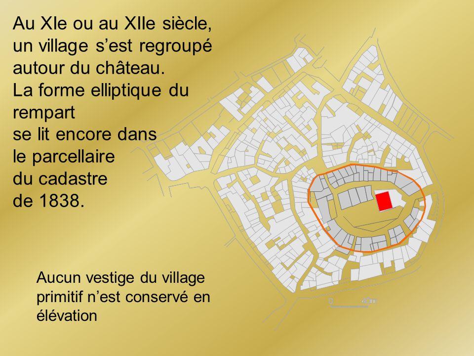 un village s'est regroupé autour du château. La forme elliptique du