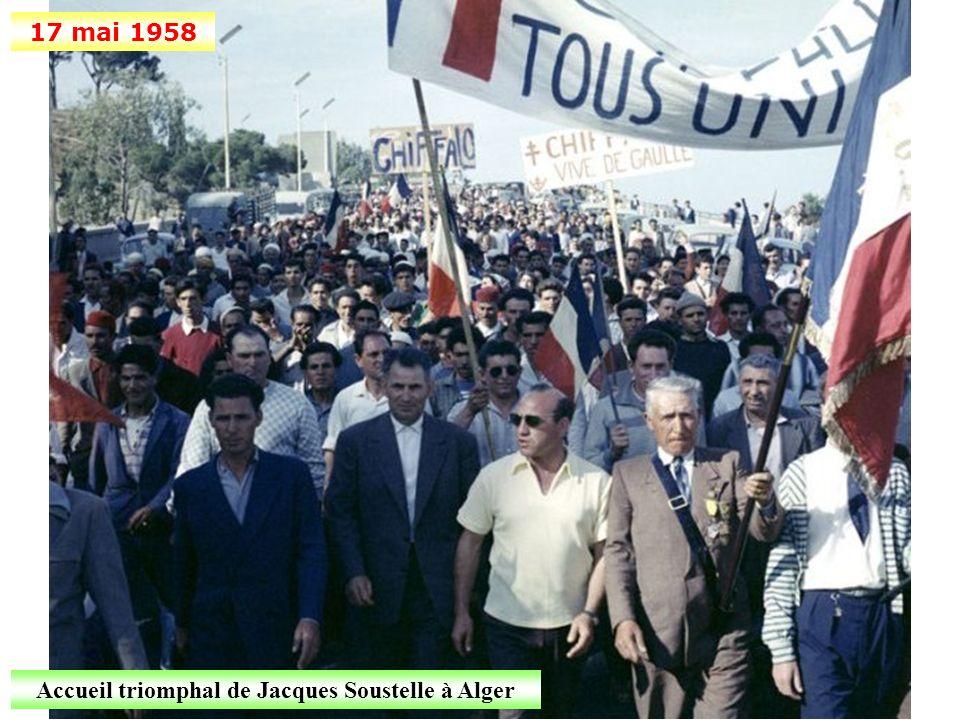 Accueil triomphal de Jacques Soustelle à Alger