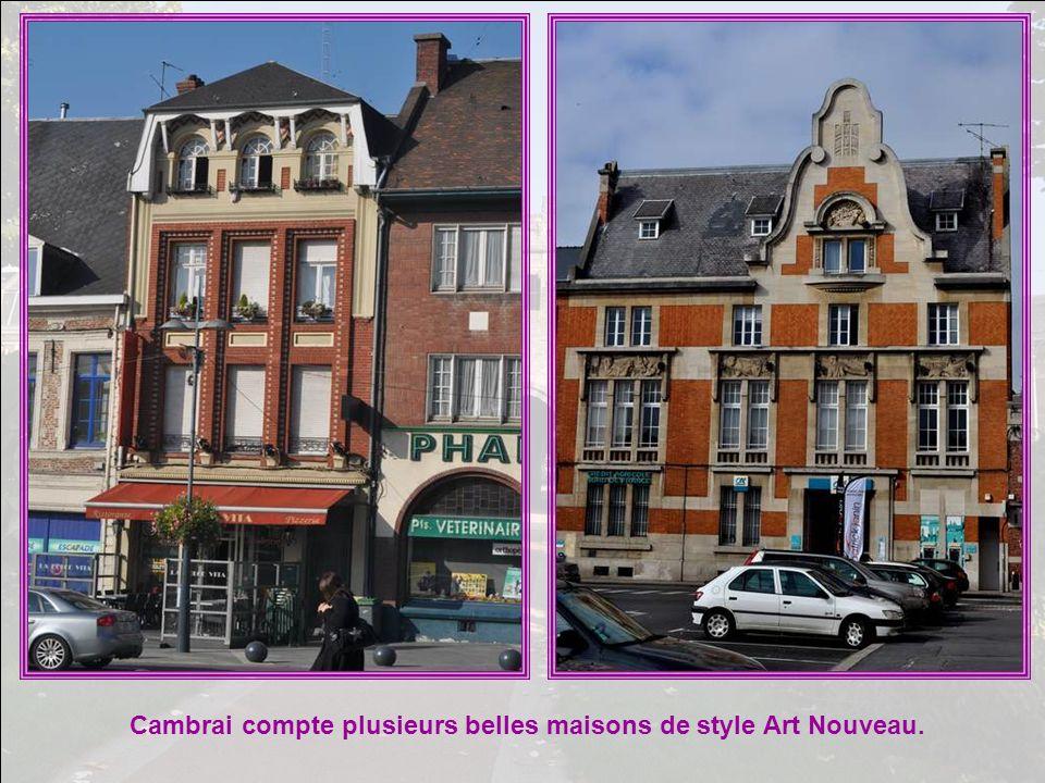 Cambrai compte plusieurs belles maisons de style Art Nouveau.