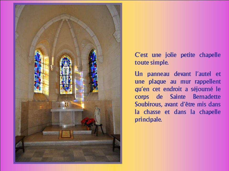 C'est une jolie petite chapelle toute simple.
