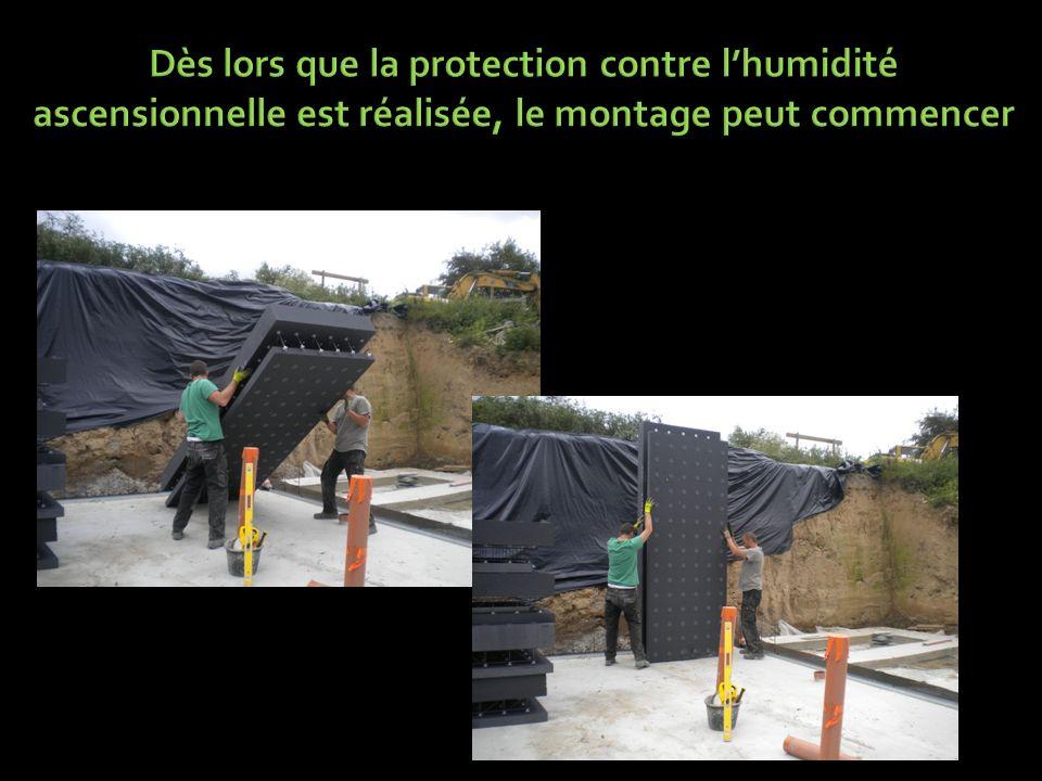 Dès lors que la protection contre l'humidité ascensionnelle est réalisée, le montage peut commencer