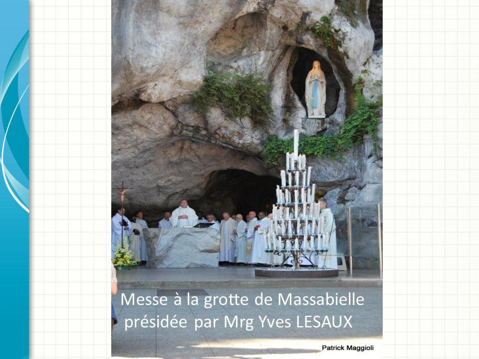Messe à la grotte de Massabielle