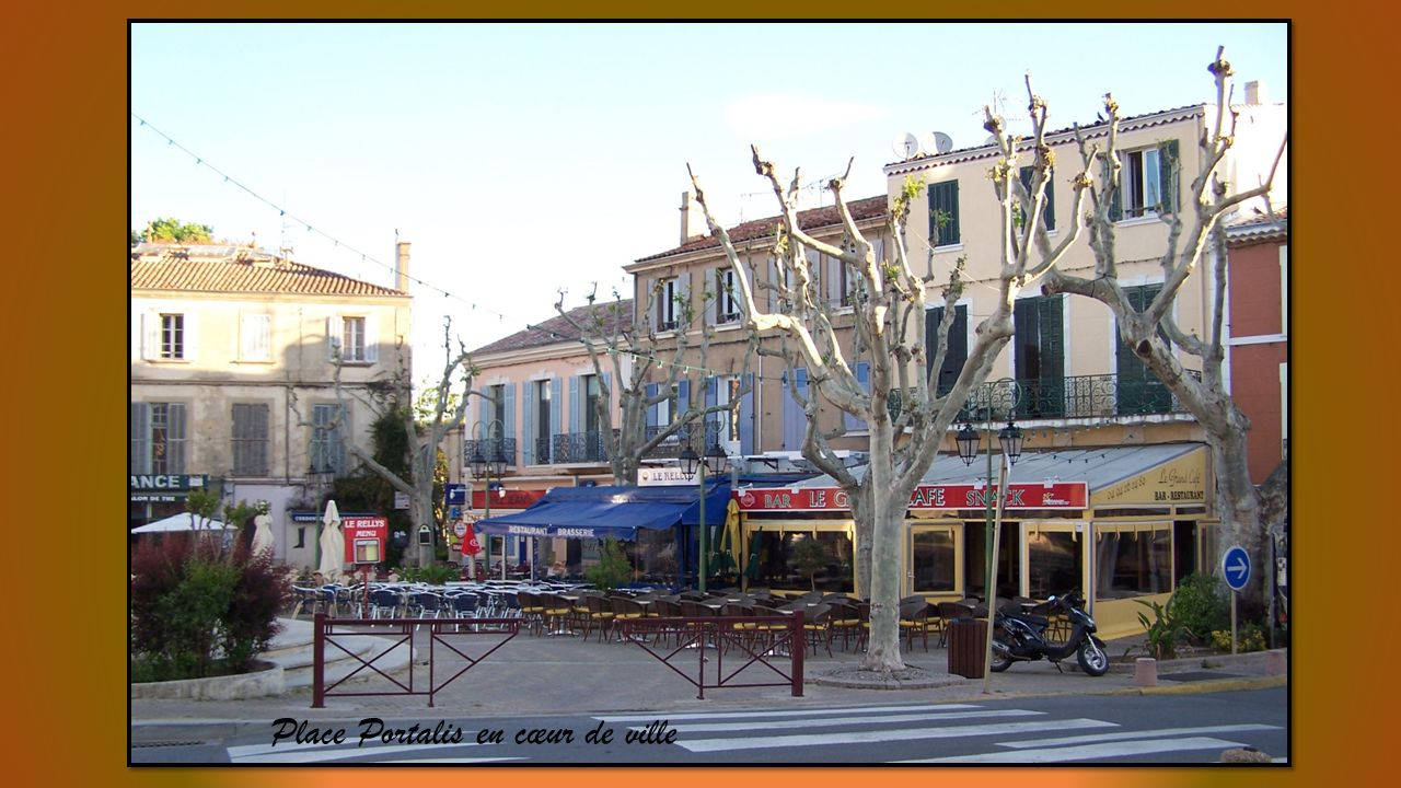 Place Portalis en cœur de ville