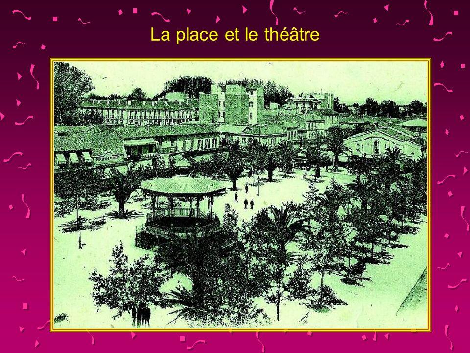 La place et le théâtre