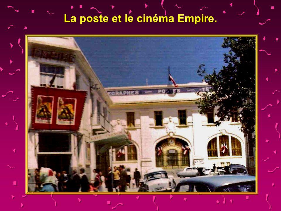 La poste et le cinéma Empire.