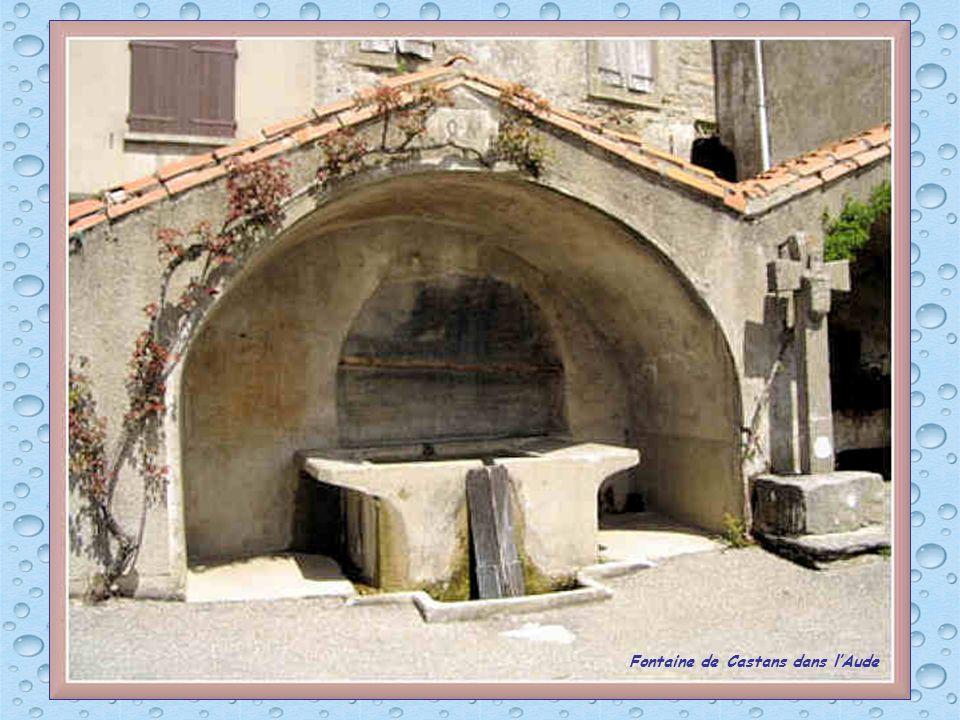 Fontaine de Castans dans l'Aude