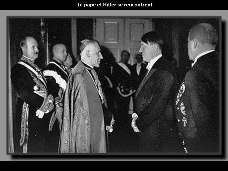 Le pape et Hitler se rencontrent