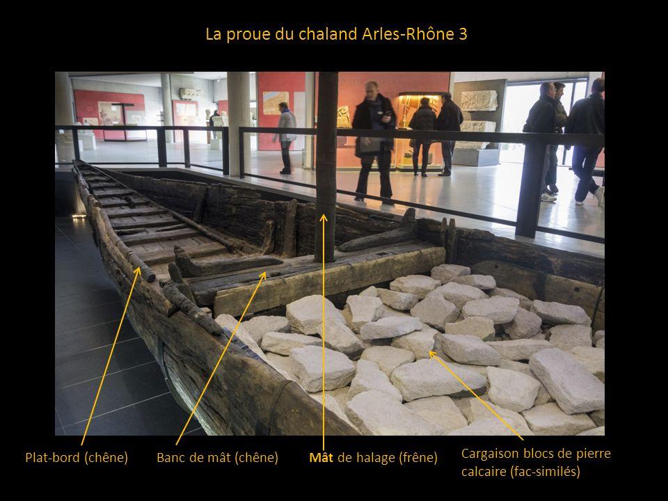 La proue du chaland Arles-Rhône 3