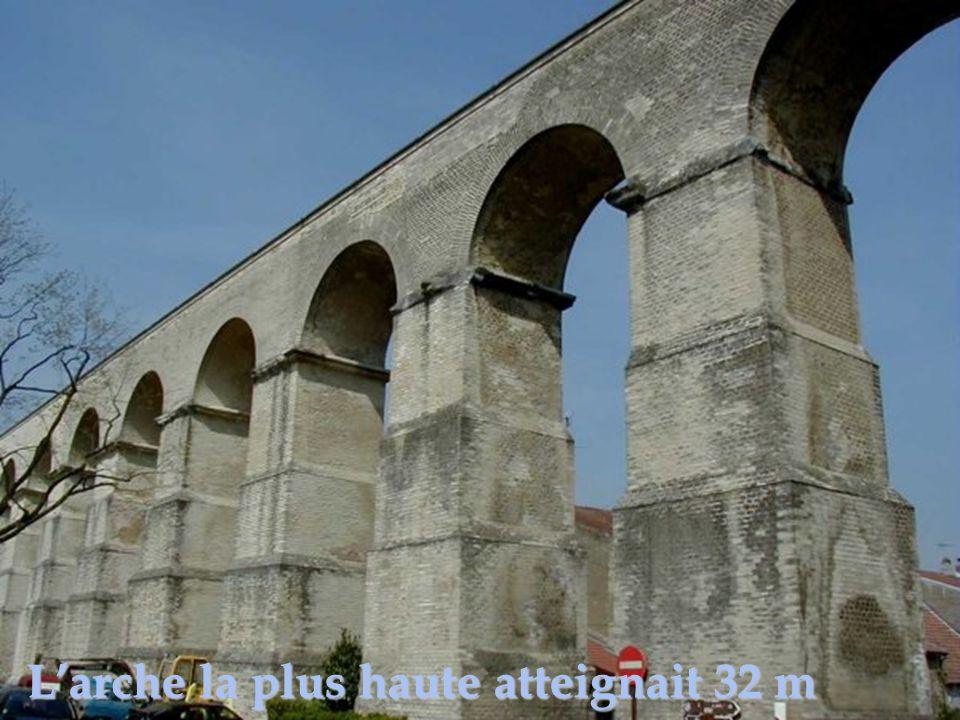 L'arche la plus haute atteignait 32 m