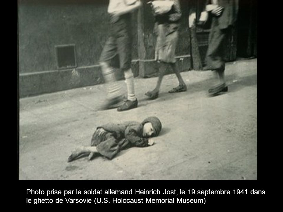 Photo prise par le soldat allemand Heinrich Jöst, le 19 septembre 1941 dans le ghetto de Varsovie (U.S.