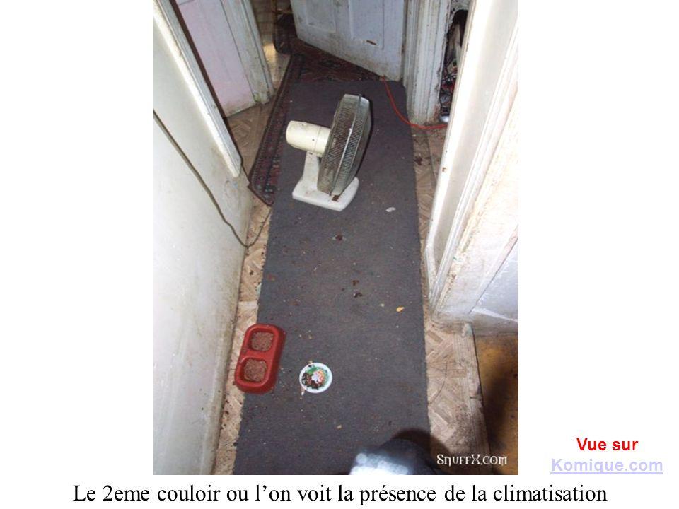 Le 2eme couloir ou l'on voit la présence de la climatisation