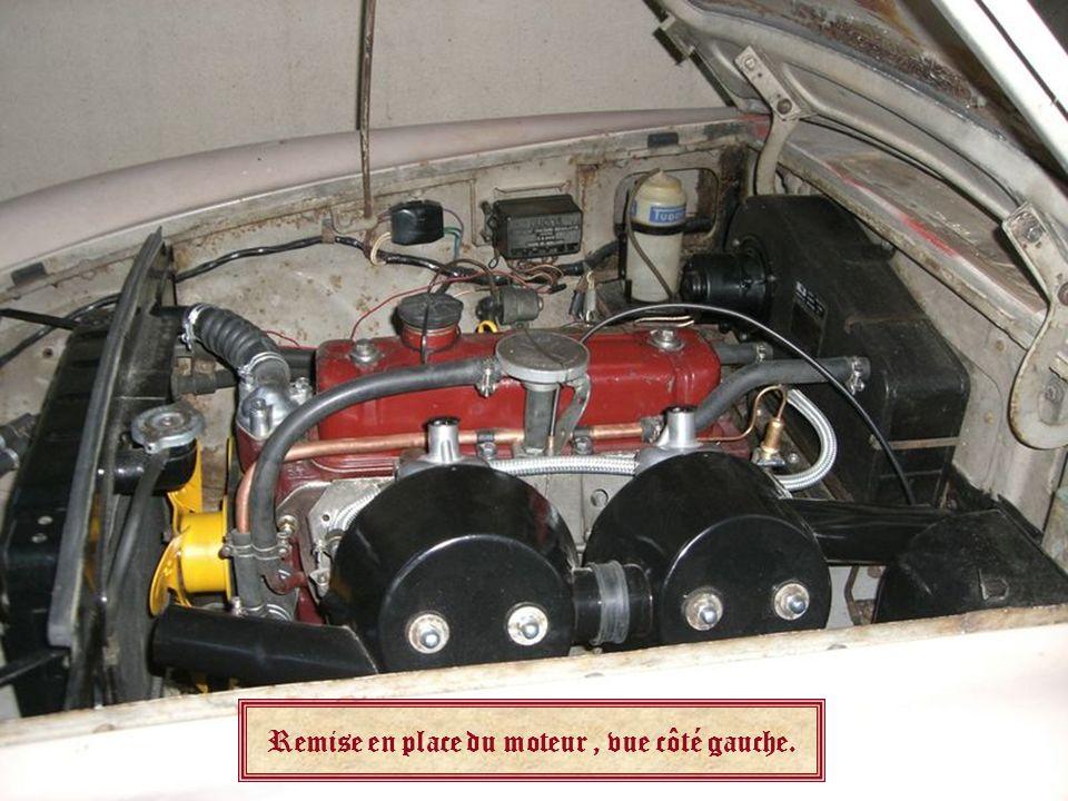 Remise en place du moteur , vue côté gauche.