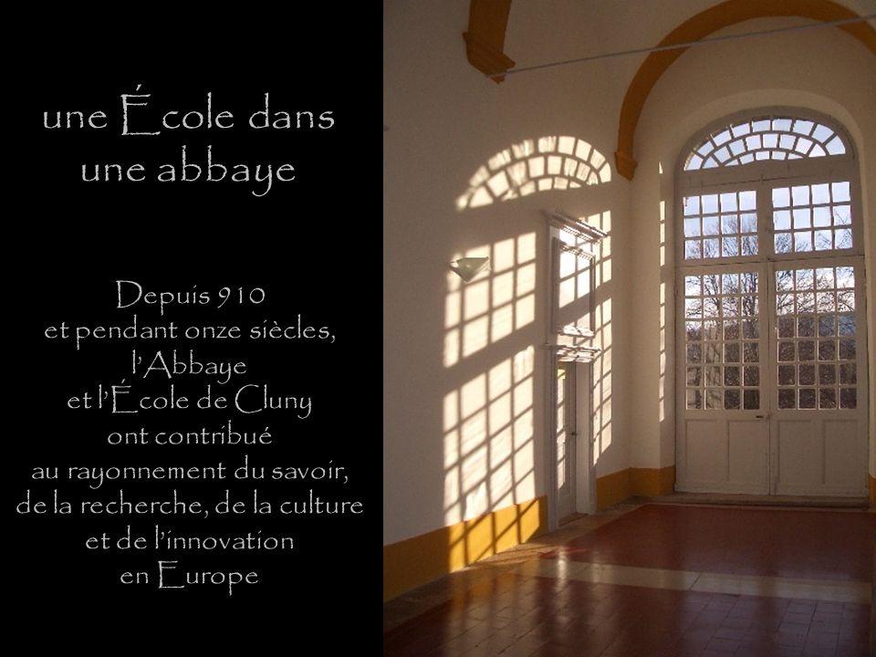 une École dans une abbaye