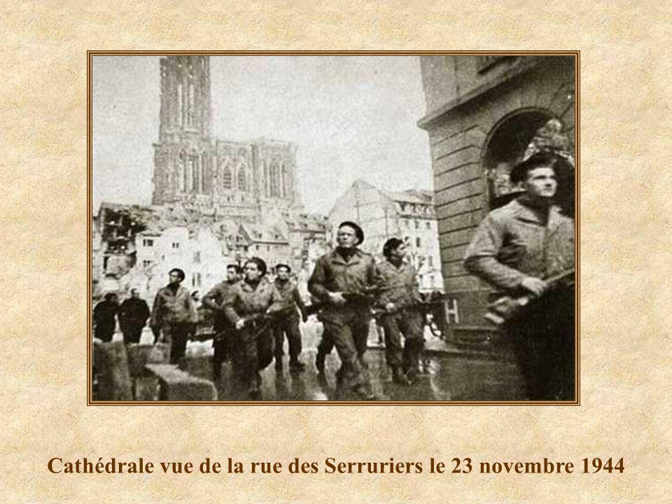 Cathédrale vue de la rue des Serruriers le 23 novembre 1944