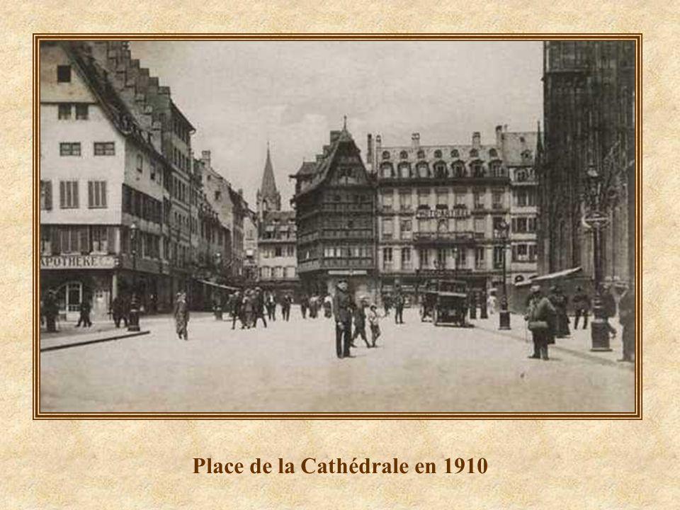 Place de la Cathédrale en 1910