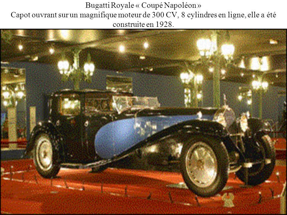 Bugatti Royale « Coupé Napoléon » Capot ouvrant sur un magnifique moteur de 300 CV, 8 cylindres en ligne, elle a été construite en 1928.