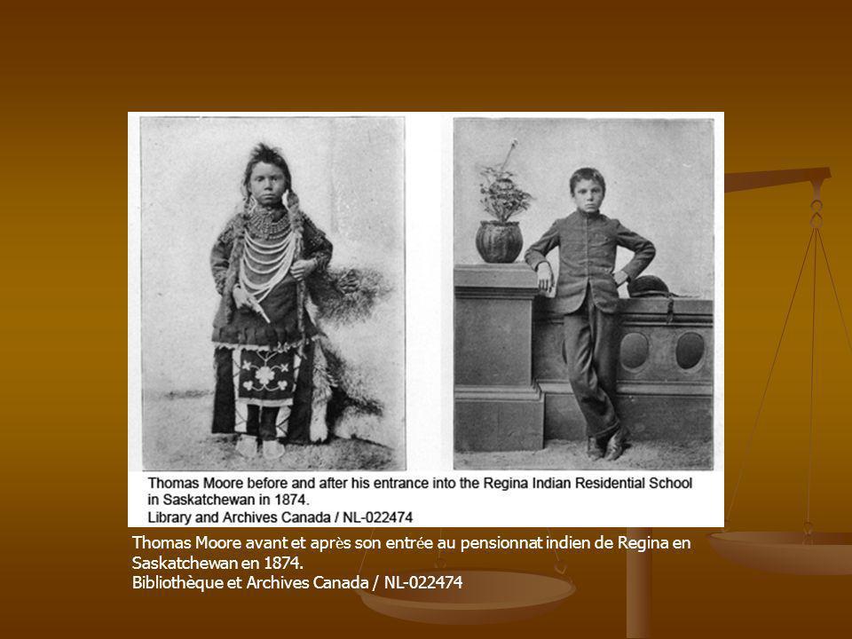 Thomas Moore avant et après son entrée au pensionnat indien de Regina en Saskatchewan en 1874.