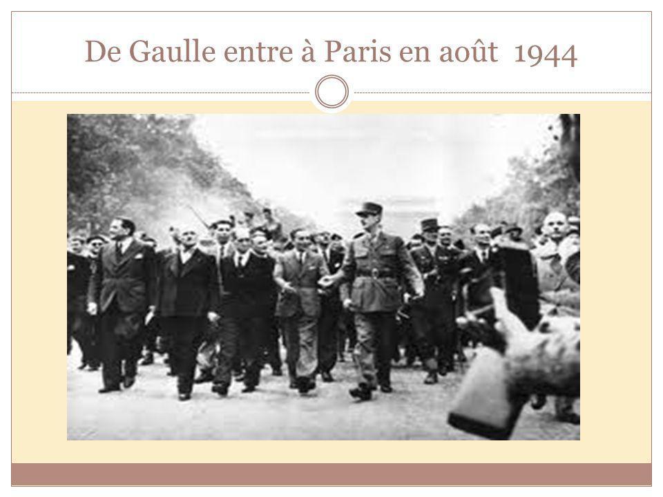 De Gaulle entre à Paris en août 1944