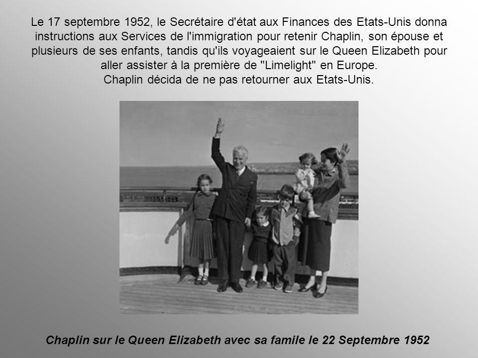 Chaplin sur le Queen Elizabeth avec sa famile le 22 Septembre 1952
