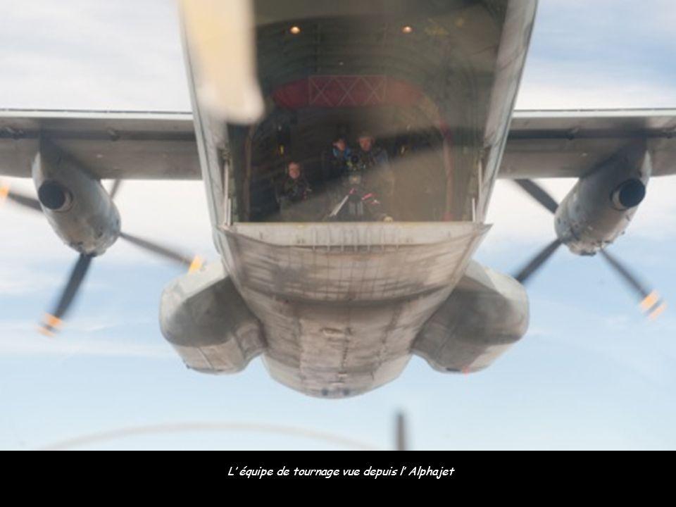L' équipe de tournage vue depuis l' Alphajet