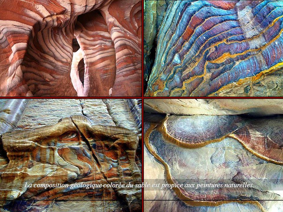 La composition géologique colorée du sable est propice aux peintures naturelles…