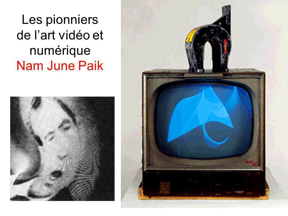 Les pionniers de l'art vidéo et numérique Nam June Paik