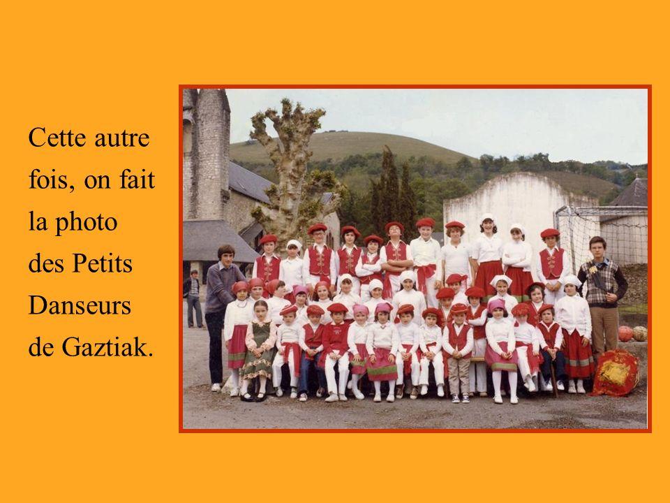 Cette autre fois, on fait la photo des Petits Danseurs de Gaztiak.