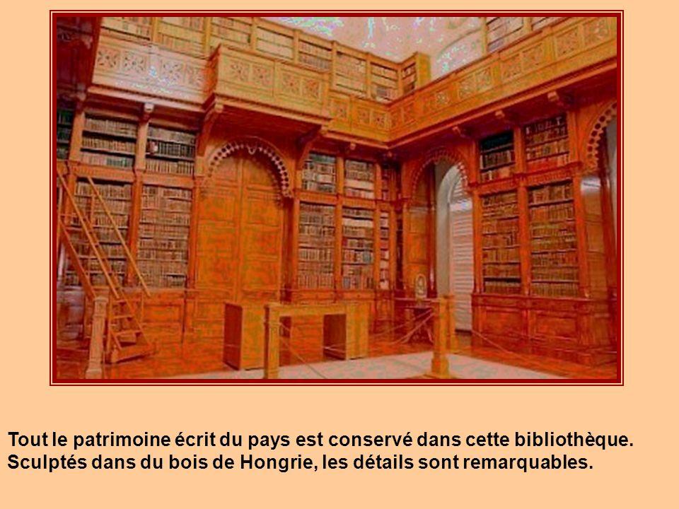 Tout le patrimoine écrit du pays est conservé dans cette bibliothèque