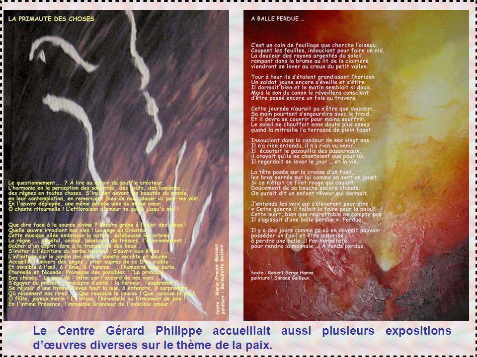 Le Centre Gérard Philippe accueillait aussi plusieurs expositions d'œuvres diverses sur le thème de la paix.