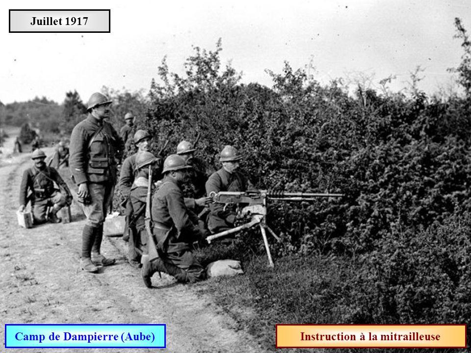 Camp de Dampierre (Aube) Instruction à la mitrailleuse