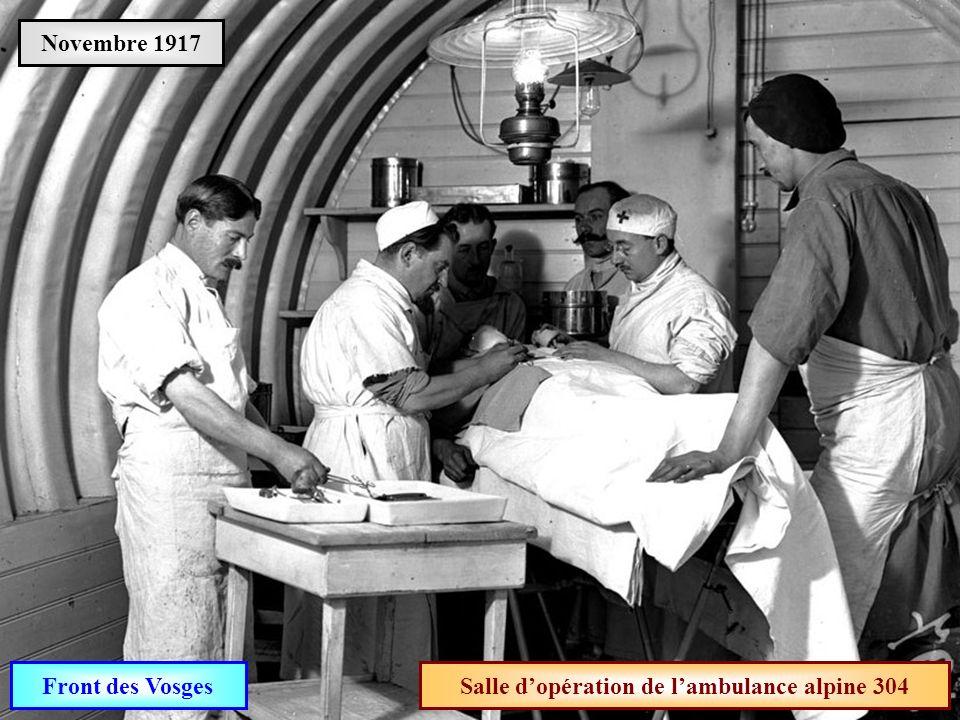 Salle d'opération de l'ambulance alpine 304