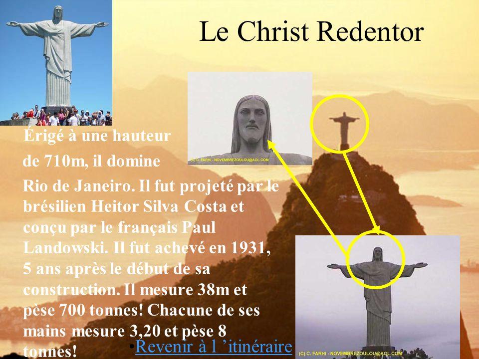 Le Christ Redentor Érigé à une hauteur Revenir à l 'itinéraire
