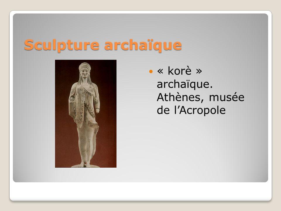 Sculpture archaïque « korè » archaïque. Athènes, musée de l'Acropole