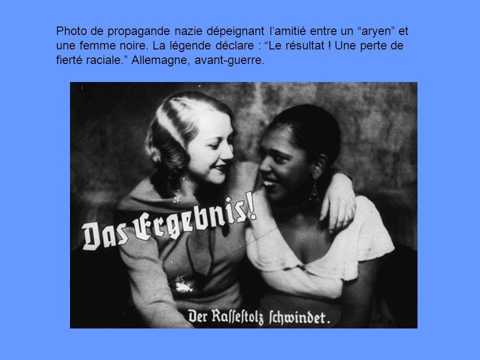 Photo de propagande nazie dépeignant l'amitié entre un aryen et une femme noire.