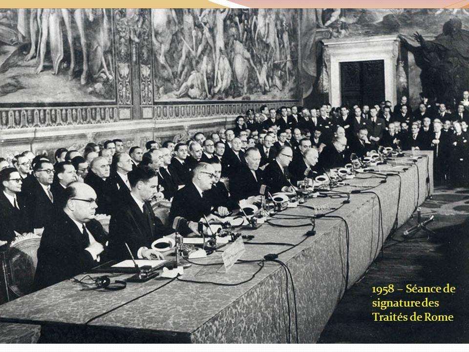 1958 – Séance de signature des Traités de Rome