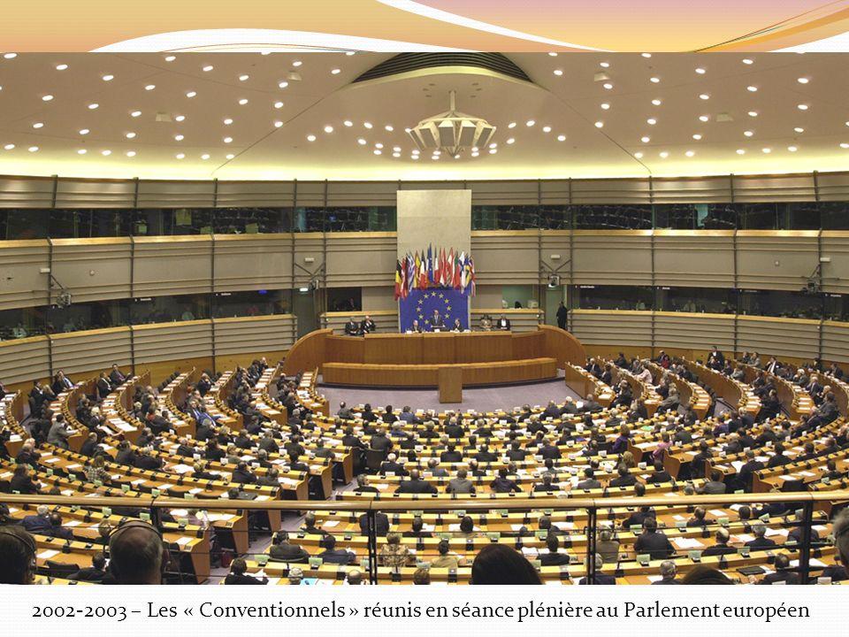 2002-2003 – Les « Conventionnels » réunis en séance plénière au Parlement européen