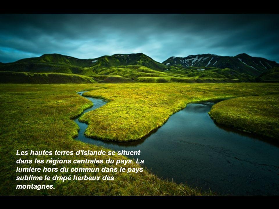 Les hautes terres d Islande se situent dans les régions centrales du pays.