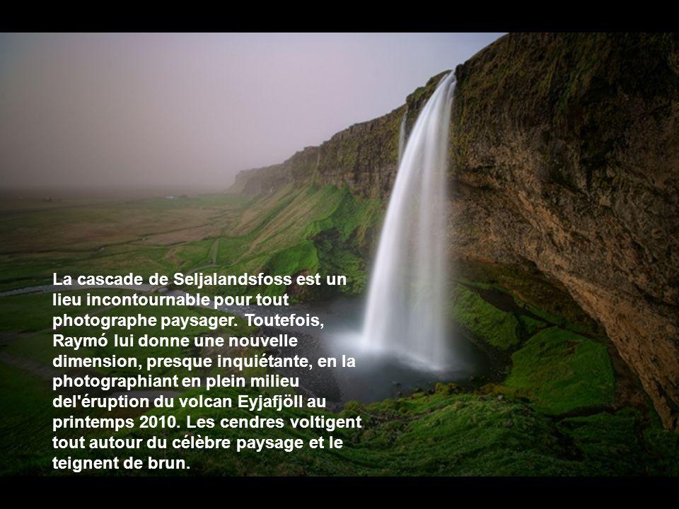 La cascade de Seljalandsfoss est un lieu incontournable pour tout photographe paysager.