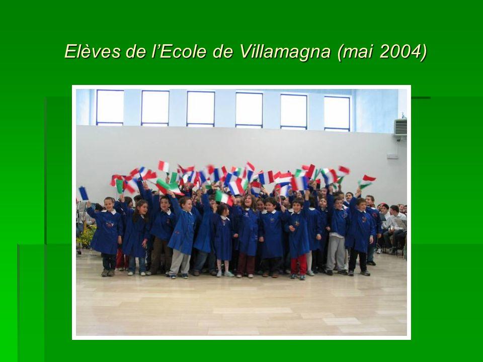 Elèves de l'Ecole de Villamagna (mai 2004)