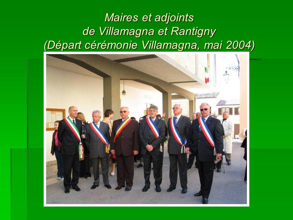 Maires et adjoints de Villamagna et Rantigny (Départ cérémonie Villamagna, mai 2004)