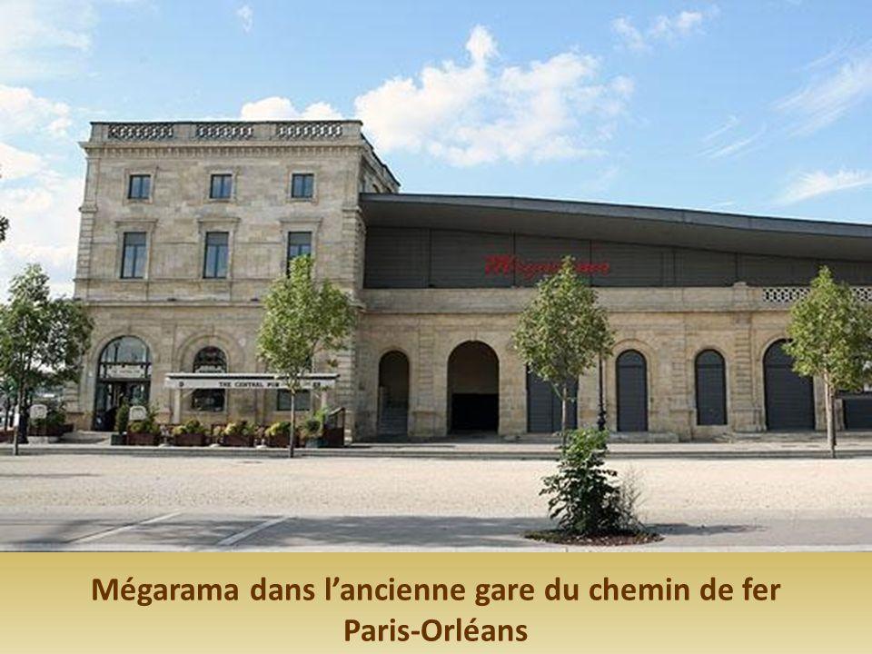Mégarama dans l'ancienne gare du chemin de fer Paris-Orléans