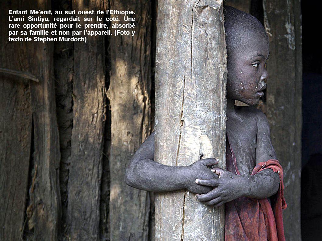 Enfant Me enit, au sud ouest de l'Ethiopie