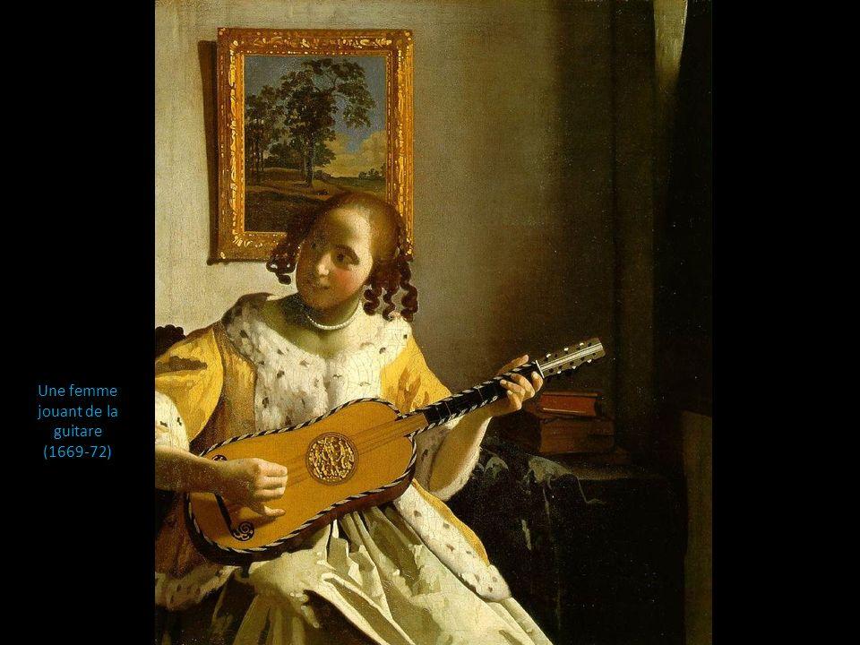 Une femme jouant de la guitare