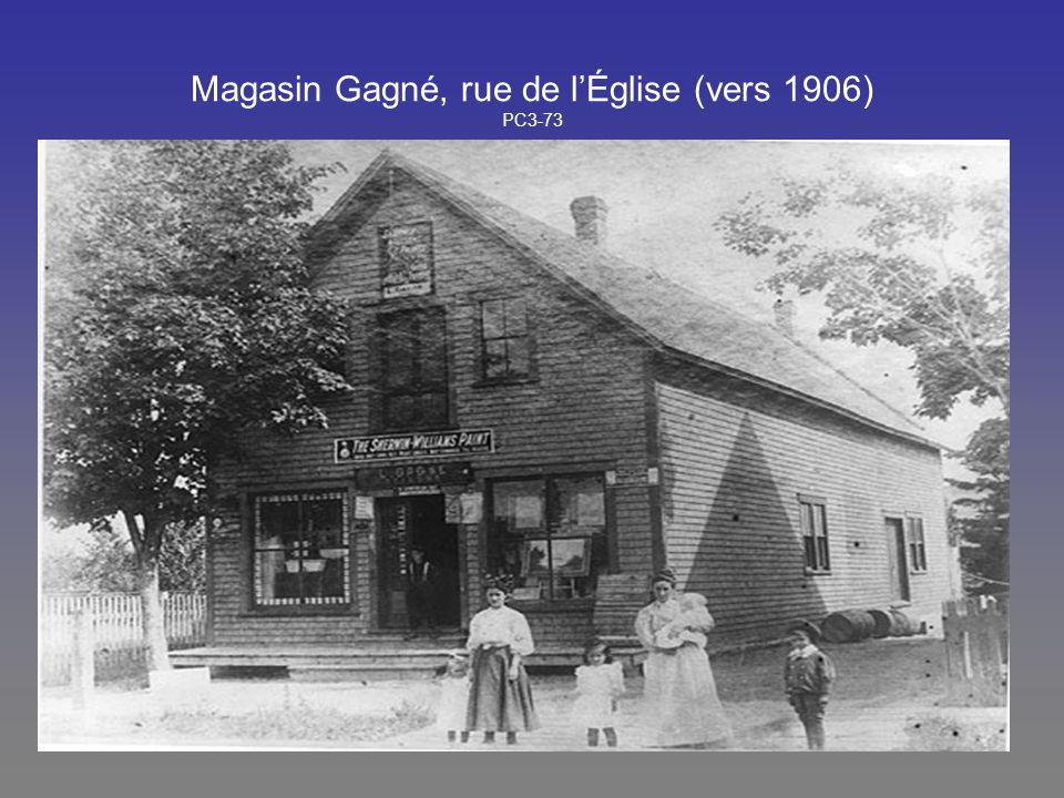 Magasin Gagné, rue de l'Église (vers 1906) PC3-73