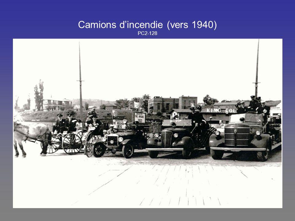 Camions d'incendie (vers 1940) PC2-128